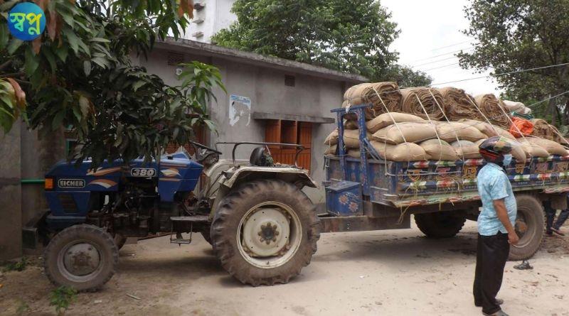 দিনাজপুরে ট্রাক্টর মোটরসাইকেল