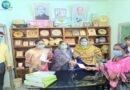 রাজশাহীতে নেত্রীবৃন্দের উপহার বিতরণ